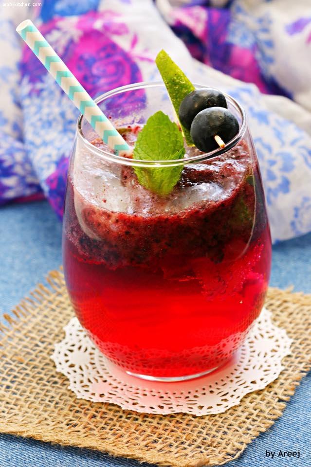 عصير البلوبيري مع النعنع والليمون